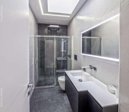 SF HOUSE: Bagno in stile in stile Minimalista di SANSON ARCHITETTI