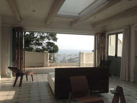 秋谷 CASA Y/Y: Mアーキテクツ|高級邸宅 豪邸 注文住宅 別荘建築 LUXURY HOUSES | M-architectsが手掛けた寝室です。