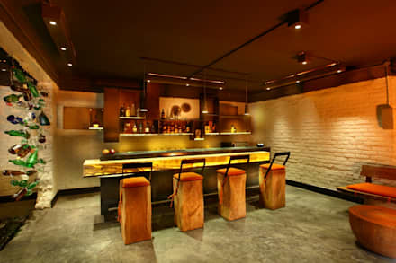 Bar: eclectic Media room by groupDCA
