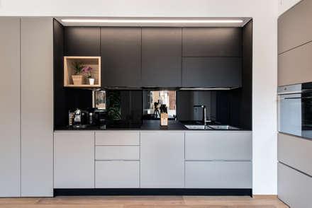 8760 dm2: Cucina in stile in stile Scandinavo di Tommaso Giunchi Architect