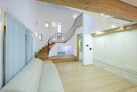 1층 거실: 건축사사무소 재귀당의  거실