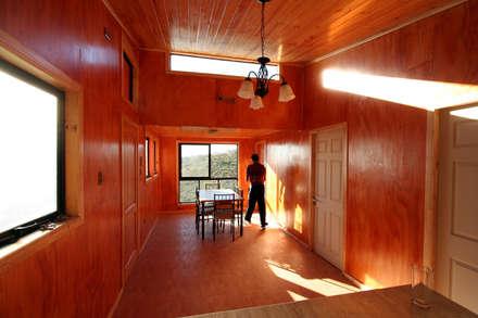 Interior de la vivienda: Comedores de estilo moderno por Arq2g