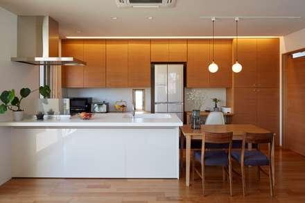 Something Four : stage Y's 一級建築士事務所が手掛けたキッチンです。