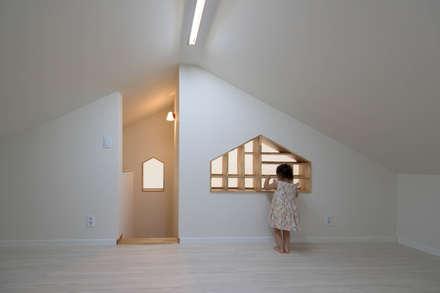 다락: 건축사사무소 재귀당의  방
