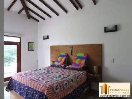 moderne Schlafzimmer von PREFABRICASA