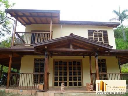 moderne Häuser von PREFABRICASA