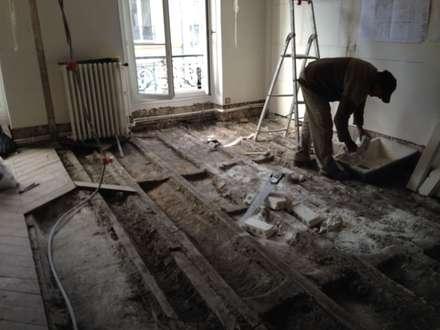 RESTRUCTURATION D'UN APPARTEMENT PARISIEN: Salle à manger de style de style Moderne par Eric Rechsteiner