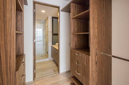 modern Dressing room by PHia