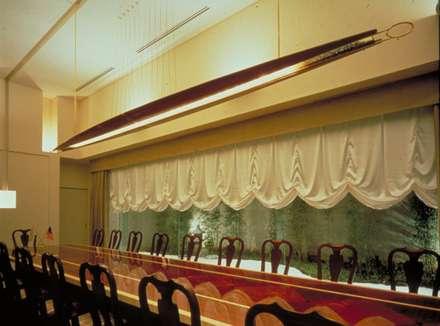 EMBASSY OF MALAYSIA / マレーシア大使館: Mアーキテクツ|高級邸宅 豪邸 注文住宅 別荘建築 LUXURY HOUSES | M-architectsが手掛けたダイニングです。