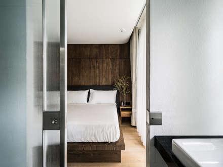 Bedroom:  臥室 by 鄭士傑室內設計