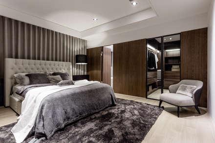 新北 林口 Lin residence (林口 世界首席 / 國家一號院):  臥室 by 双設計建築室內總研所