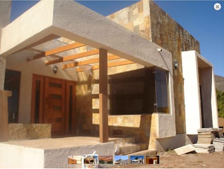 Entrada principal : Casas de estilo mediterraneo por Vinci studio