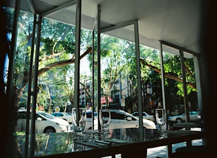 French Window :  酒吧&夜店 by 鄭士傑室內設計