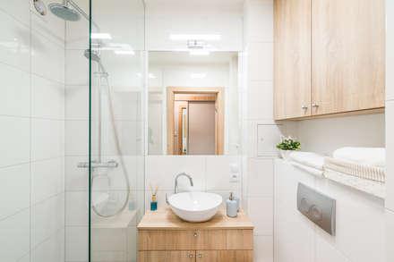 scandinavian Bathroom by jw architektura