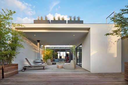 Soho Penthouse:  Patios & Decks by SA-DA Architecture