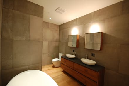 Brooklyn Brownstone: modern Bathroom by SA-DA Architecture
