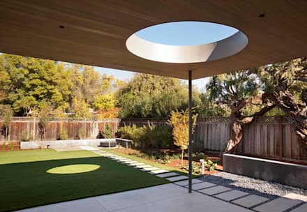 The Lantern House: modern Houses by Feldman Architecture