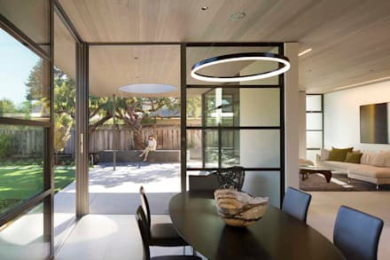The Lantern House: modern Dining room by Feldman Architecture