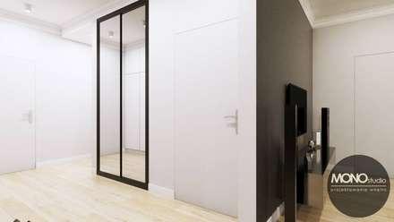 Corridor and hallway by MONOstudio