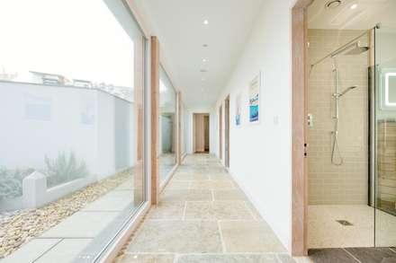 Treasure House :  Corridor & hallway by Perfect Stays