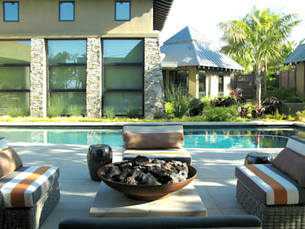 Island Style Tropical : tropical Pool by Debora Carl Landscape Design