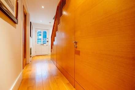 Blue Moorings :  Corridor & hallway by Perfect Stays