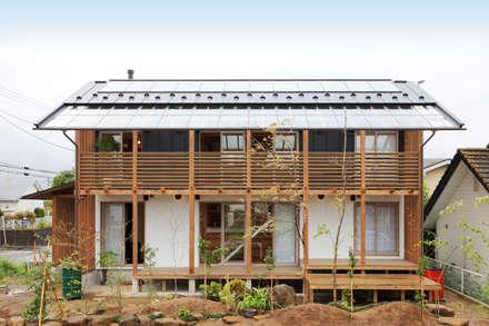 懐かしい未来を感じさせる外観デザイン: 株式会社 建築工房零が手掛けた家です。