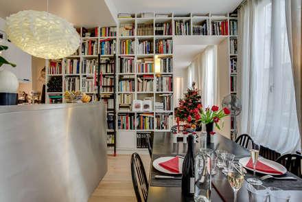 Un Appartement d'Ecrivain : Salle à manger de style de style Moderne par ATELIER FB