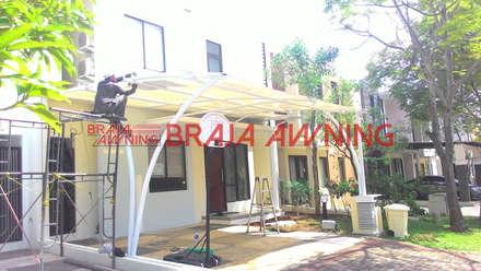 Tenda Membra teras rumah:  Teras by Braja Awning