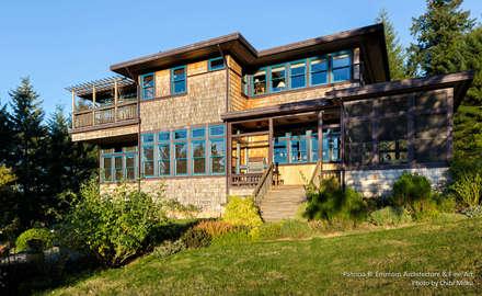 Patricia K Emmons - Rural Oregon Craftsman Home - Exterior 2:  Landhaus von Chibi Moku