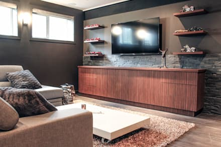 Family area: industrial Media room by Unit 7 Architecture