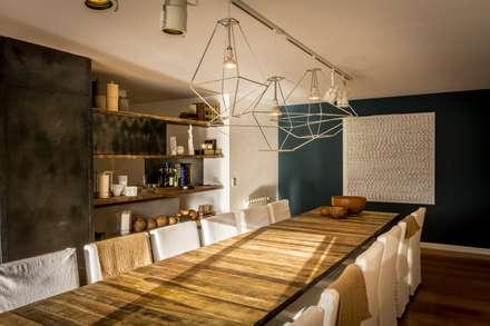 Comedor: Comedores de estilo rústico por Interiores B.AP