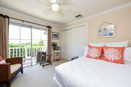 H-K邸: Sen's Photographyたてもの写真工房すえひろが手掛けた寝室です。