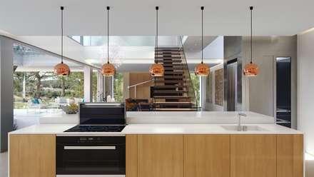 Olivo. Las Colinas. Marjal: Cocinas de estilo mediterráneo de GESTEC. Arquitectura & Ingeniería