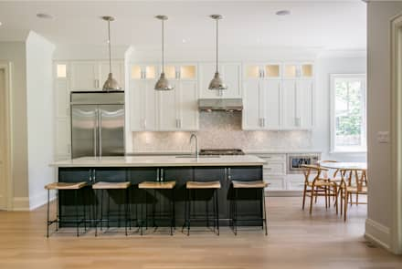 Wanita Rd Project: classic Kitchen by Tango Design Studio