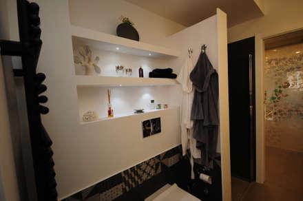 : Bagno in stile in stile Moderno di Fabiola Ferrarello architetto