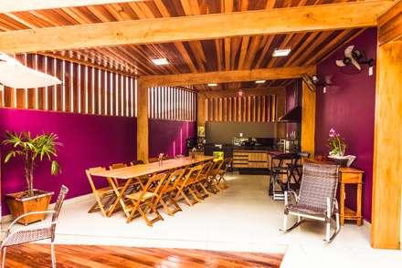 Cozinha Externa: Cozinhas tropicais por Bianca Ferreira Arquitetura e Interiores
