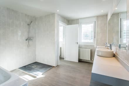 moderne Badezimmer von Casas Arquicenter ®