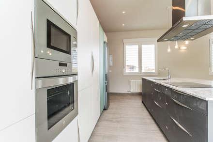 Moderne Küche Von Casas Arquicenter ®