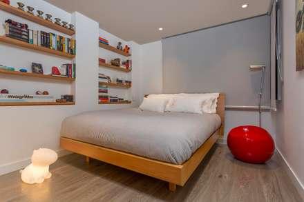 Apto Cll 62 - Cr 4 : Habitaciones de estilo moderno por Bloque B Arquitectos