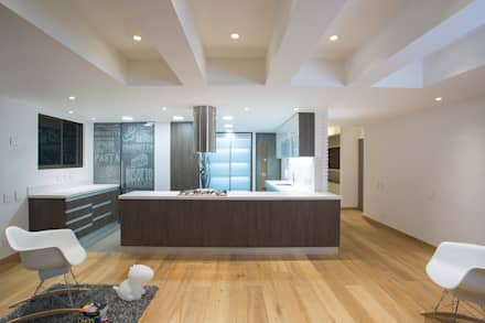 Apto Cr 12 - Cll 102: Cocinas de estilo moderno por Bloque B Arquitectos