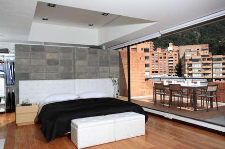 Apto Cr 3 - Cll 74 : Habitaciones de estilo moderno por Bloque B Arquitectos