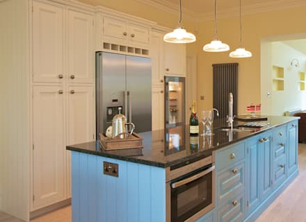 Aubade Bespoke Range: country Kitchen by Hehku