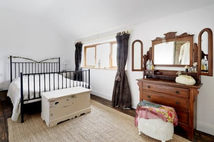Bedroom: country Bedroom by Askew Cavanna Architects