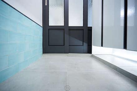 산본 개나리A 25PY PROJECT: 제이앤예림design의  복도 & 현관