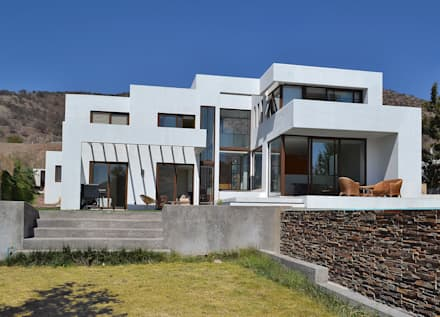 modern Houses by Marcelo Roura Arquitectos