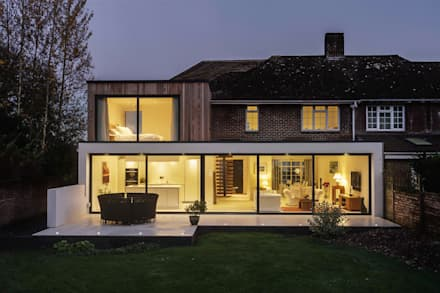The Beckett House: modern Houses by Adam Knibb Architects
