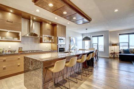 354 Sherwood Blvd: modern Kitchen by Sonata Design