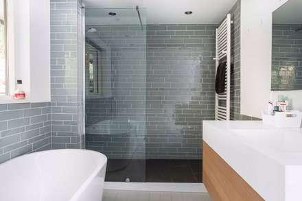 moderne Badezimmer von Architect2GO