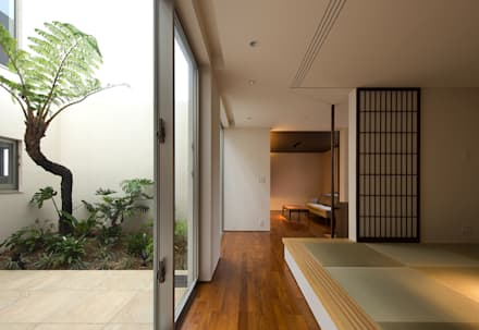 和室: Atelier Squareが手掛けた玄関/廊下/階段です。